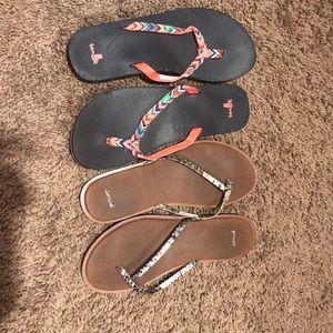 Listing is for 2 pair of Sanuk flip flops size 7